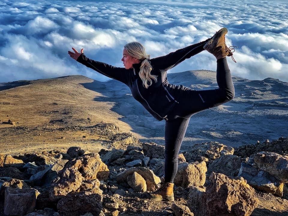 frida-starvid-rocket-vinyasa-yoga-retreat-ingela-nilsson-teacher